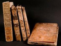 Antichi volumi dell'Archivio dell'Ospedale di San Francesco